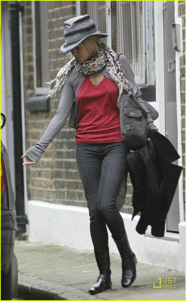 sienna miller professional dog walker 09