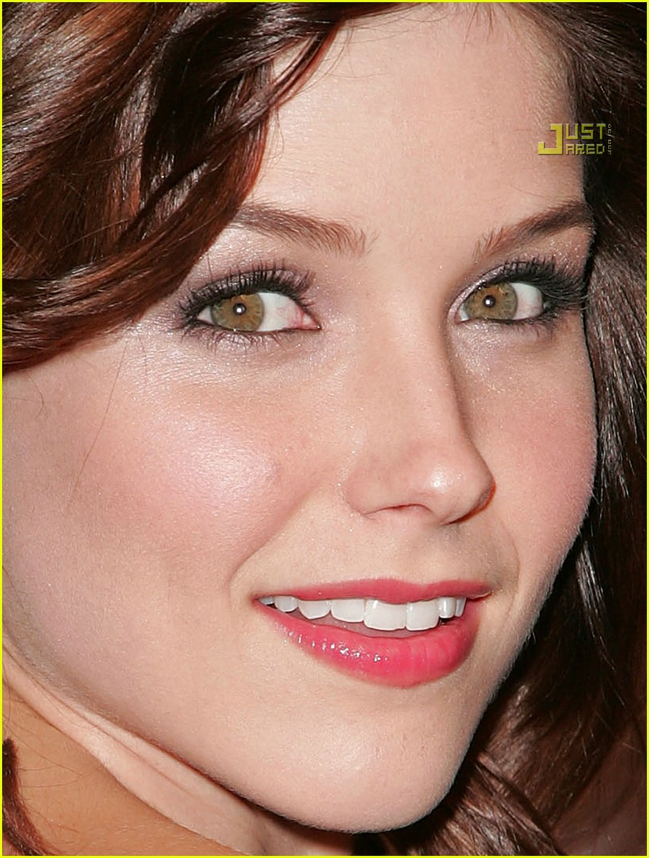 sophia bush art of elysium 05