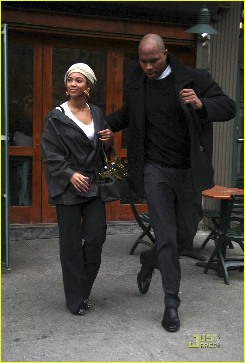 Beyonc and JAY-Z's Family Vacation in France