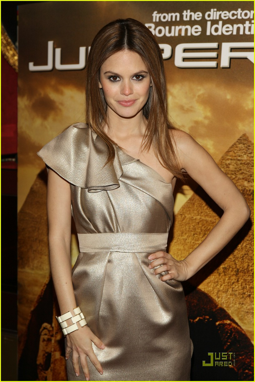 rachel bilson jumper premiere 04