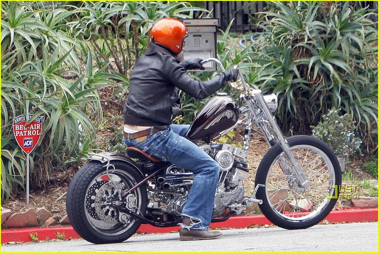 Pics photos brad pitt on motorcycle - Brad Pitt Is Motorcycle Man Photo 942701 Brad Pitt Pictures Just Jared