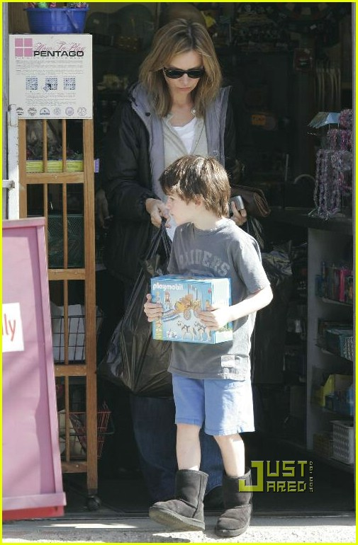 calista flockhart toy store 05902091