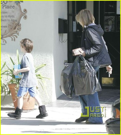 calista flockhart toy store 15902191