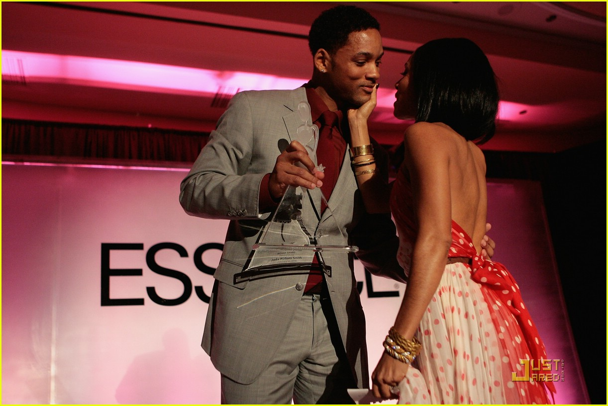 jada pinkett smith honored by essence 51