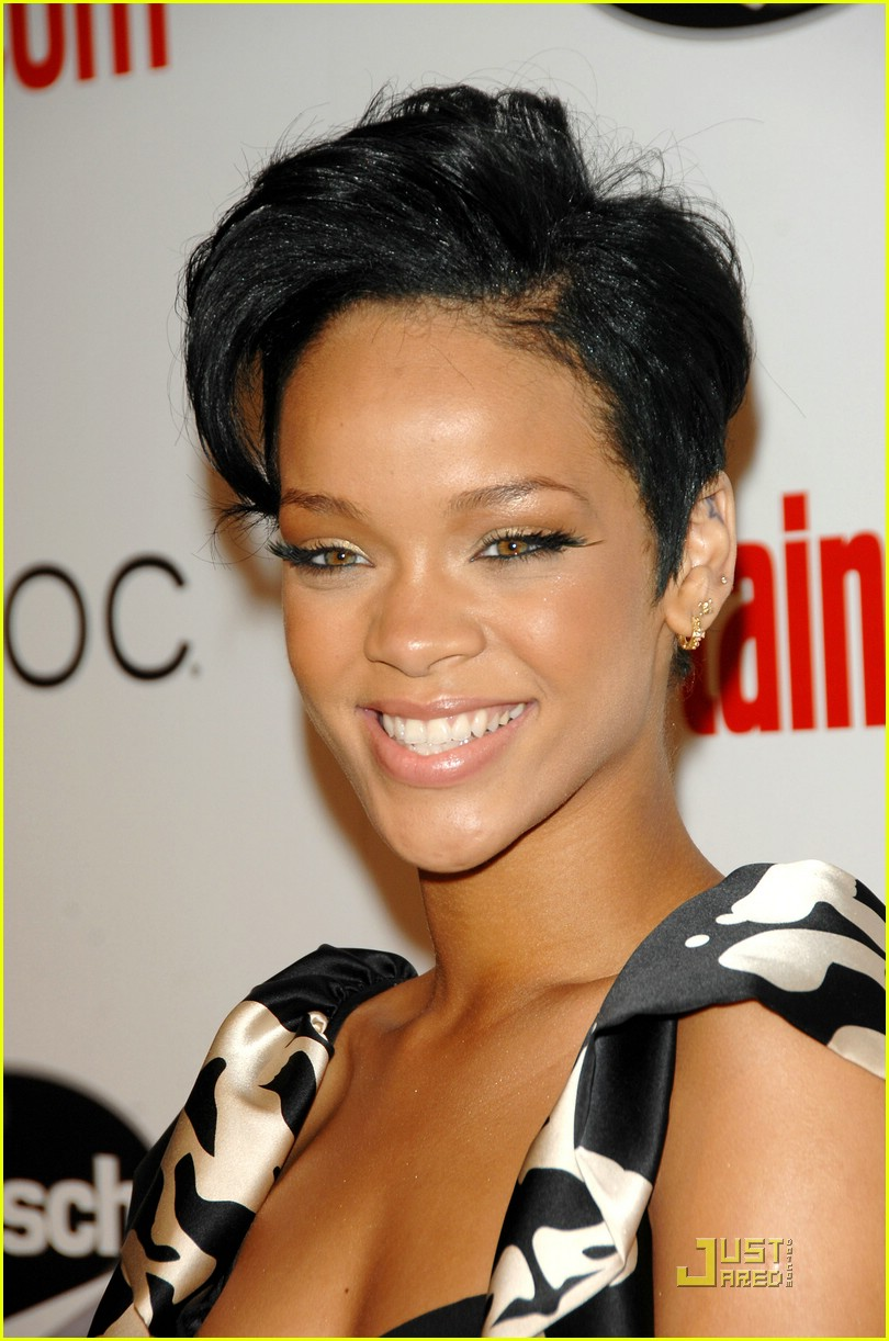 rihanna car crash 01924751