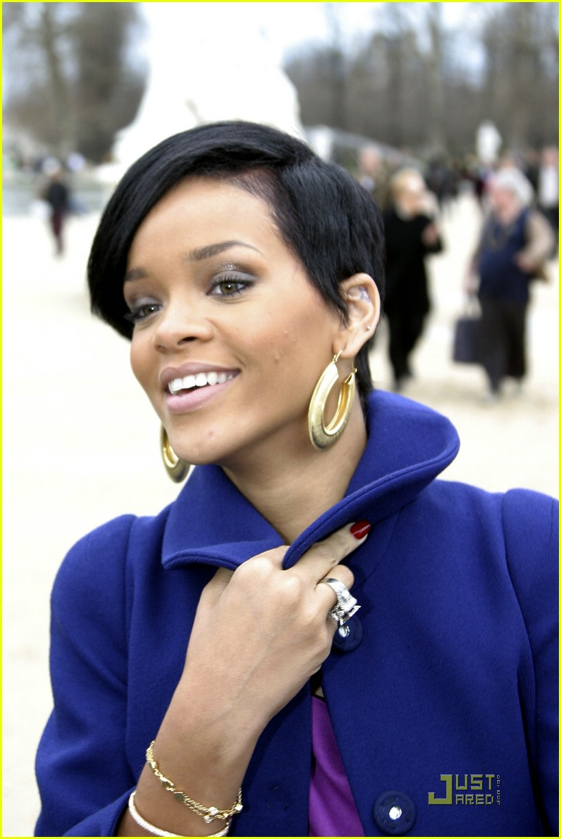 rihanna paris fashion week 11965991
