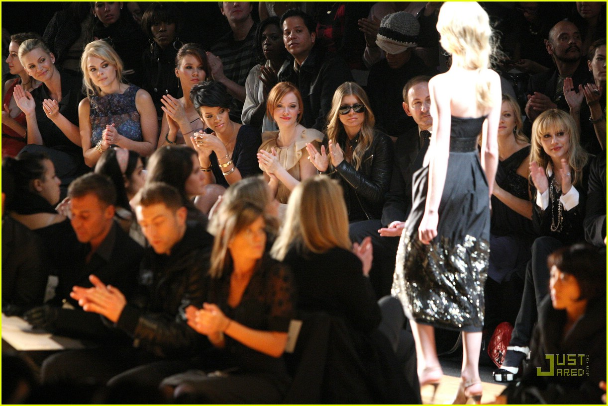 rihanna ny fashion week 11906841