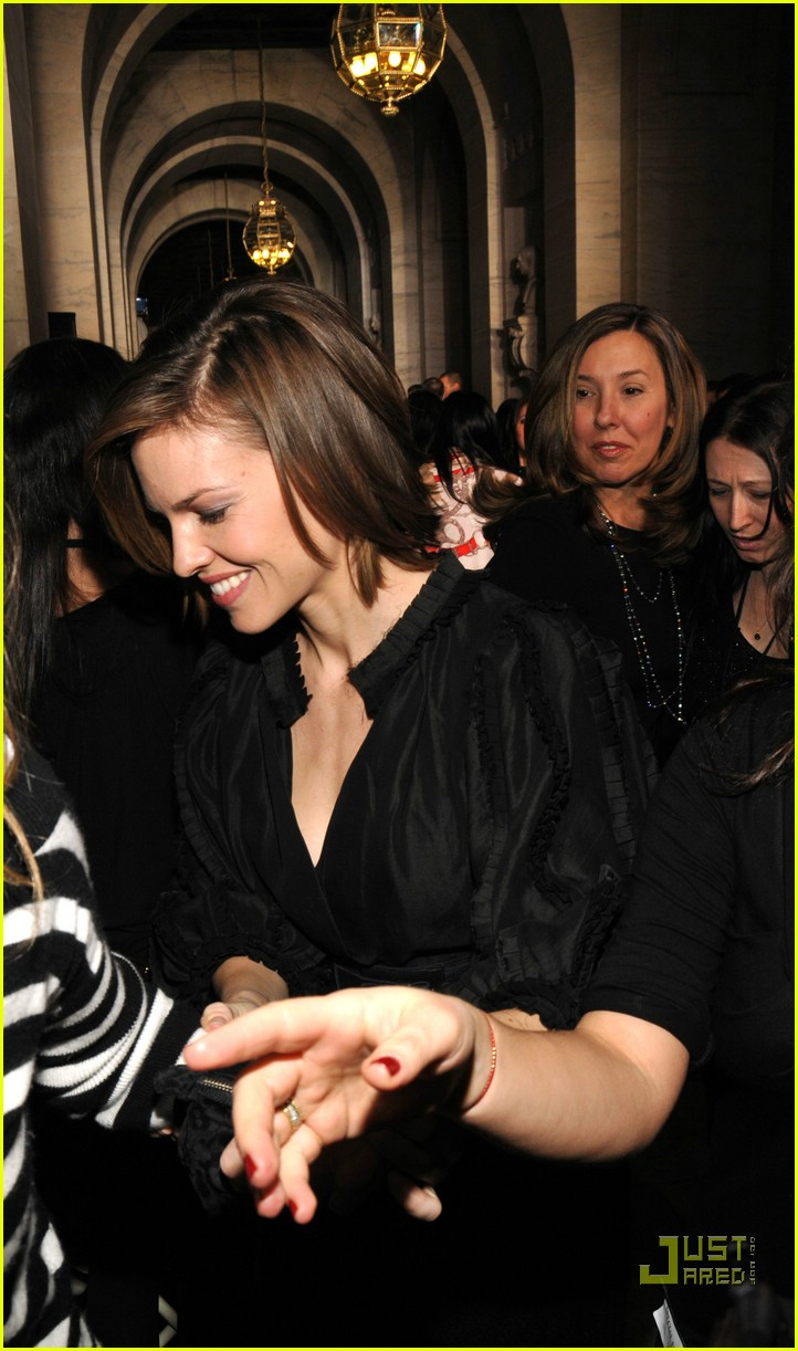 hilary swank ny fashion week 07