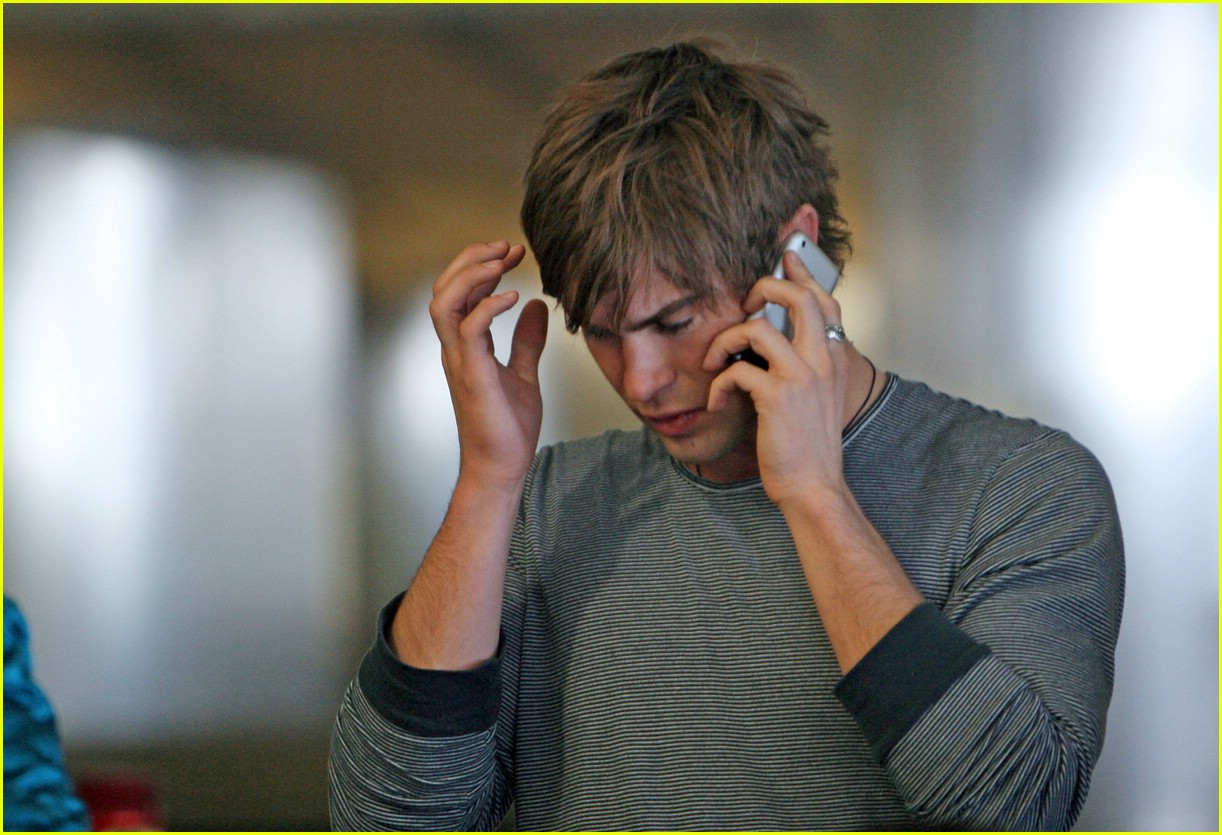 chace crawford phone 12