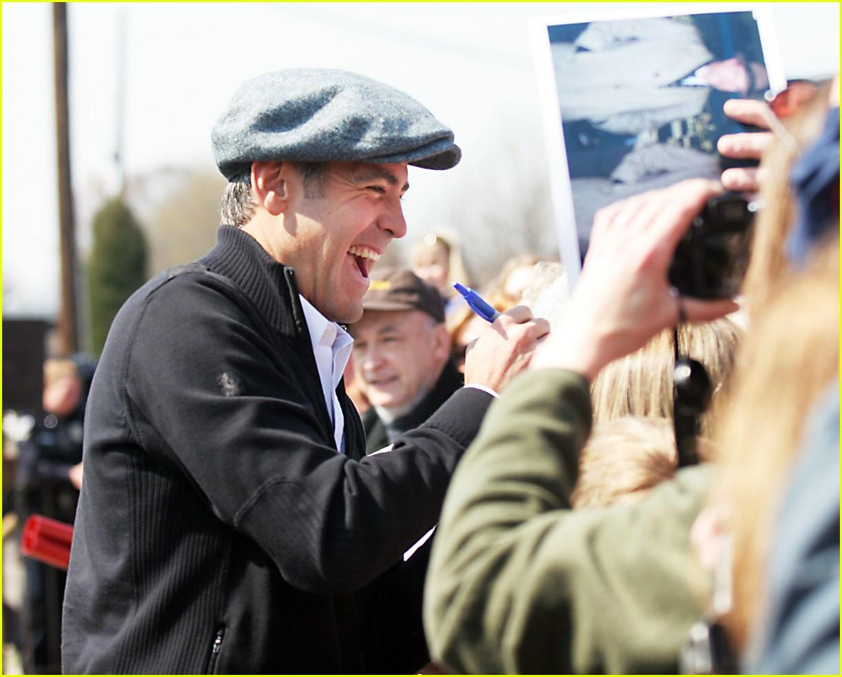Full Sized Photo of george clooney newsboy cap 06 | Photo ... George Clooney