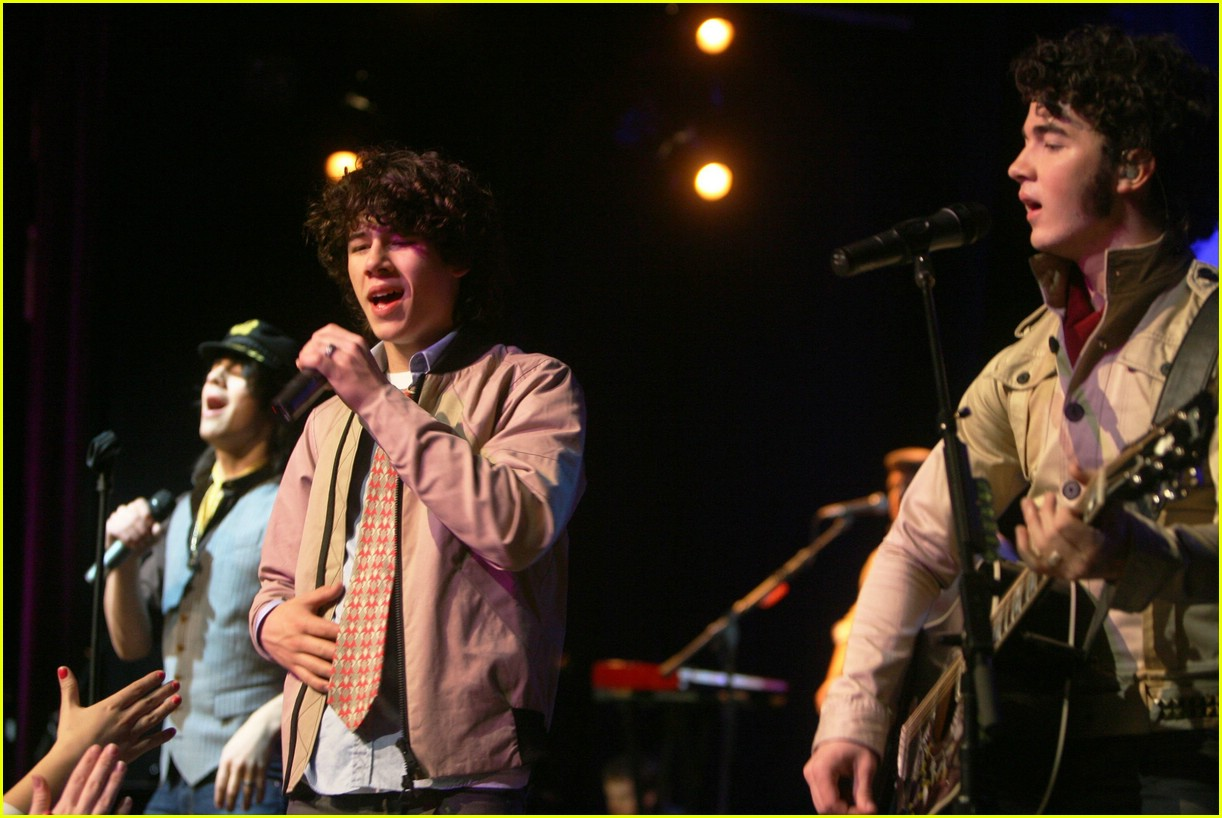 jonas brothers hard rock cafe 361011771