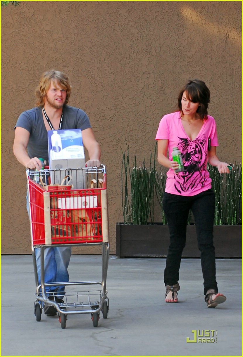 lena headey grocery shopping 04