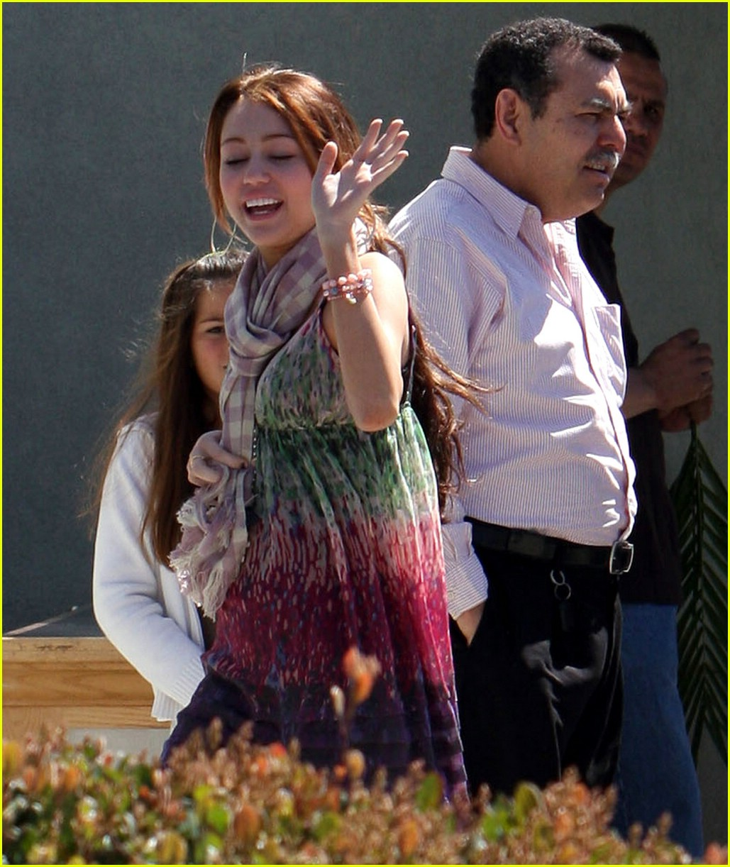 miley cyrus palm sunday 02