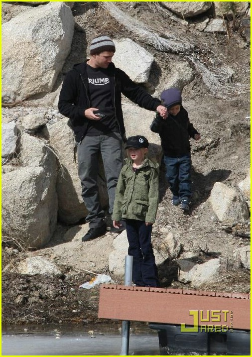 ryan phillippe deacon ava big bear 05971481
