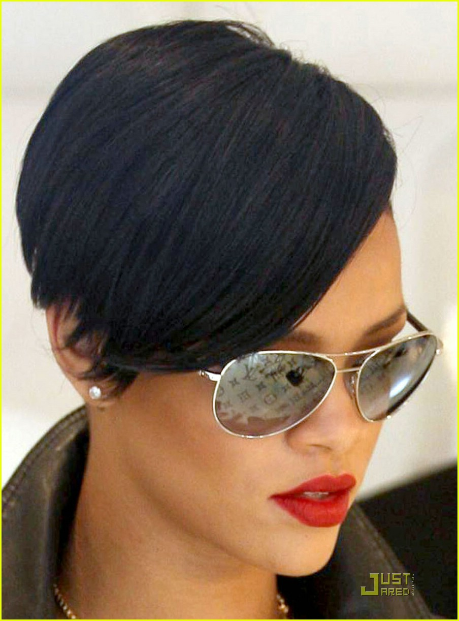 rihanna louis vuitton eyes 24969461