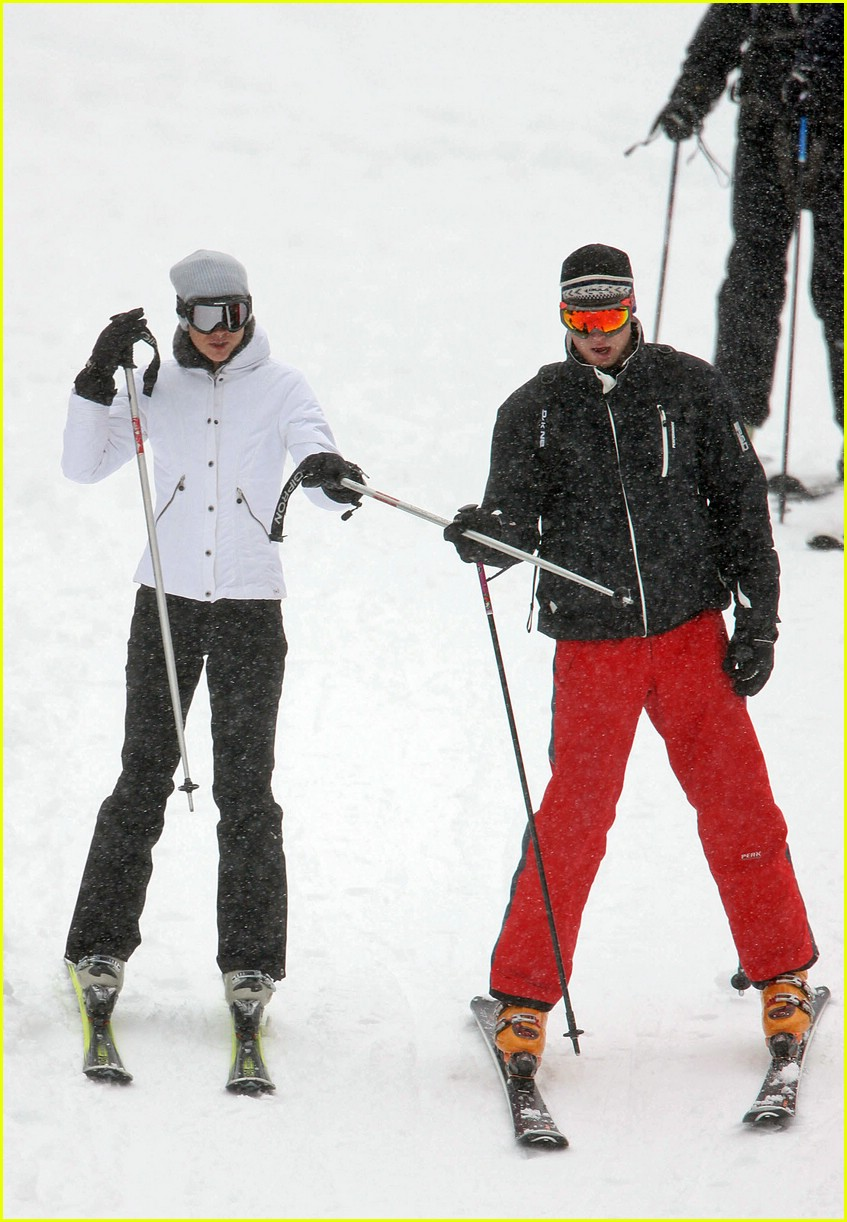 prince william kate middleton skiing 06