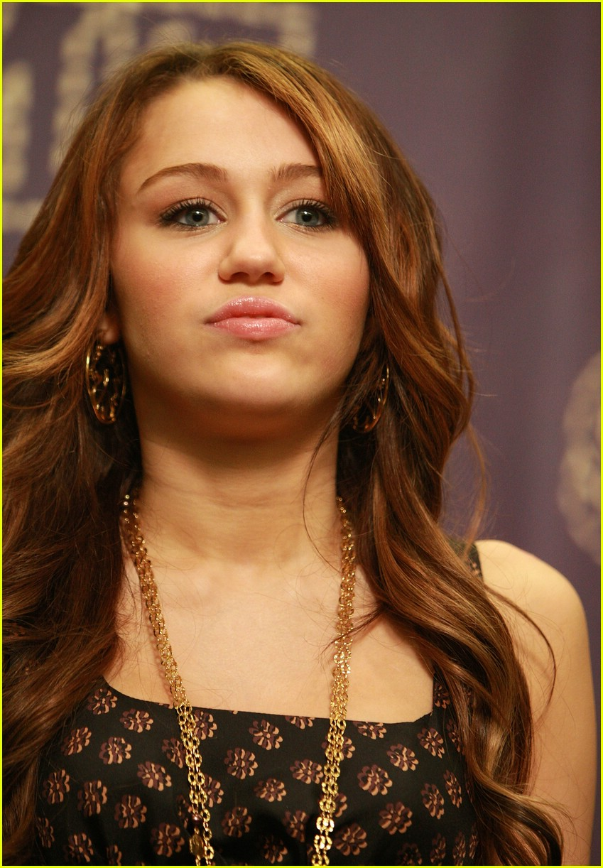 miley cyrus cmt performance 2008 42