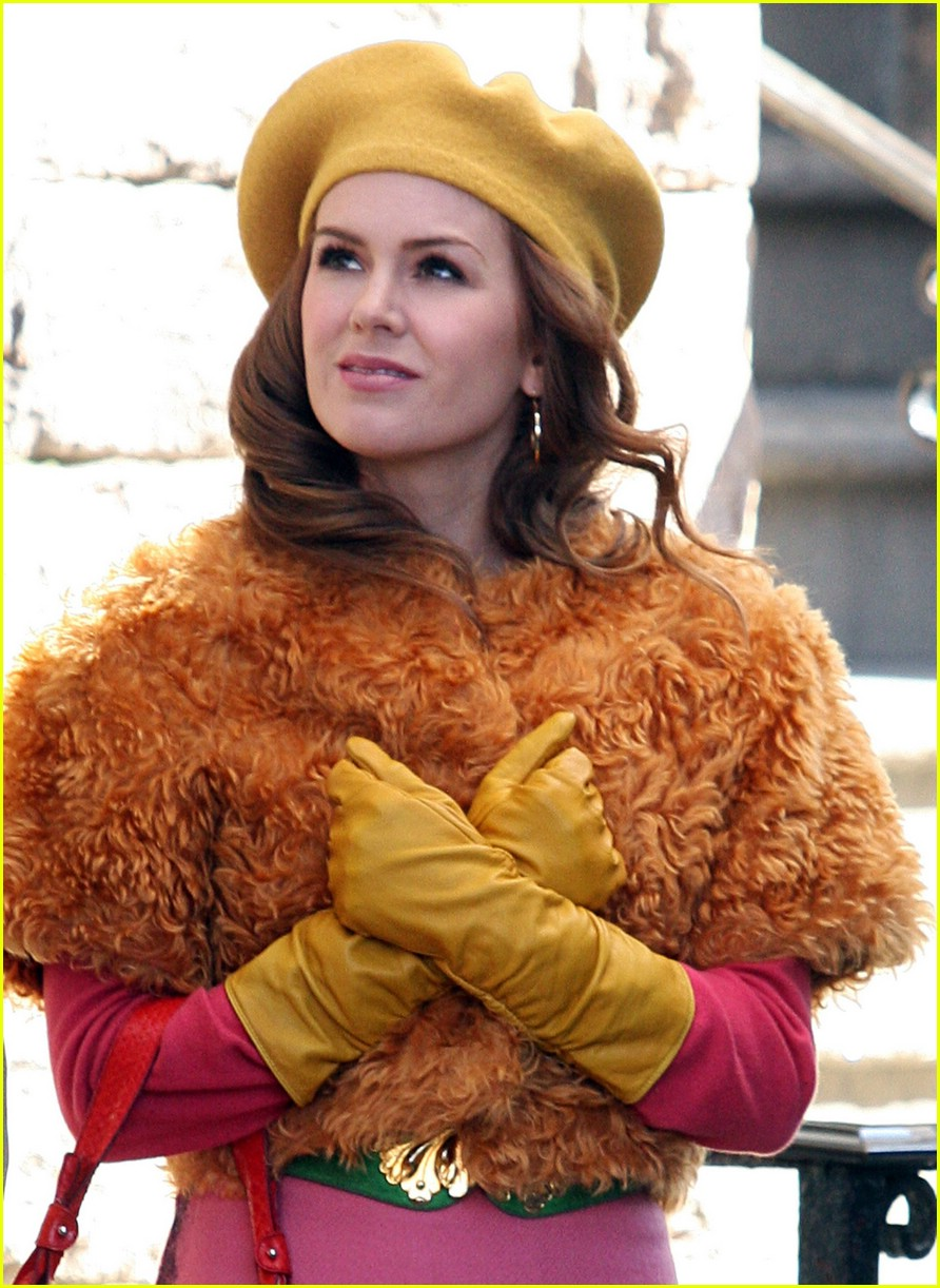 isla fisher shop too much 03