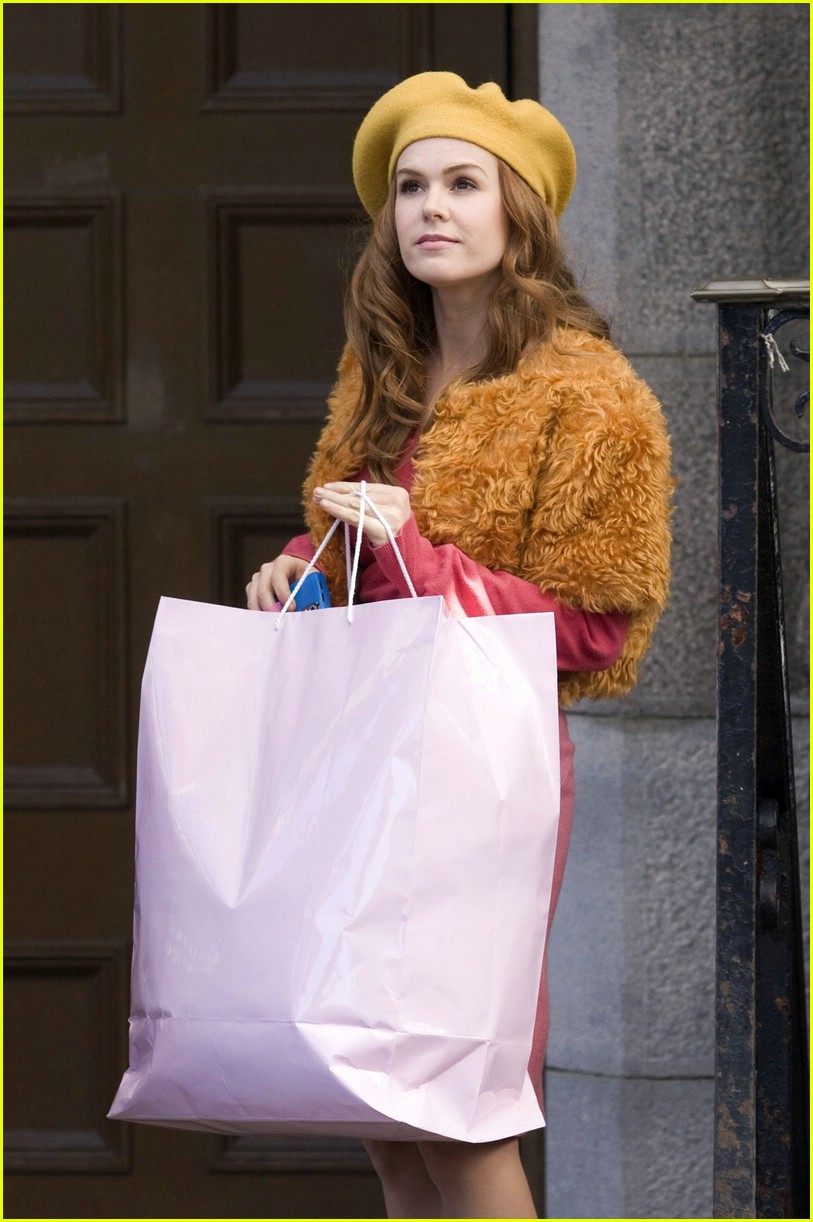 isla fisher shop too much 04