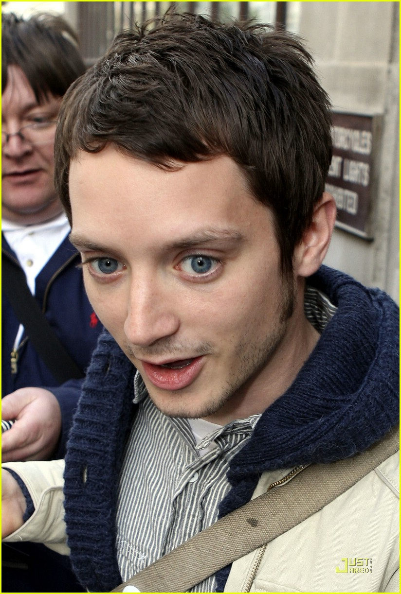 elijah wood friday night project 02