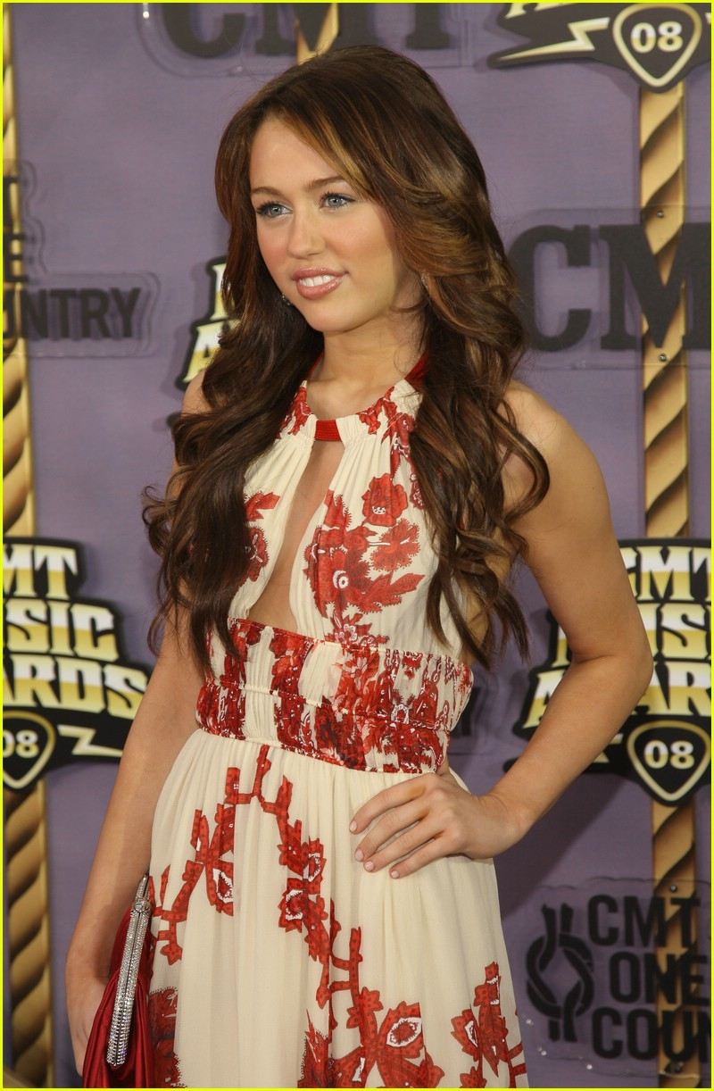 miley cyrus cmt music awards 2008 111065671