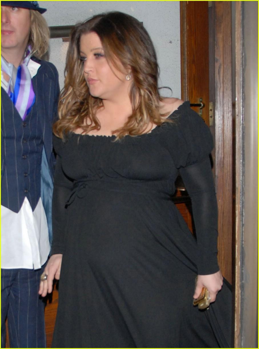 lisa marie presley baby bump 04