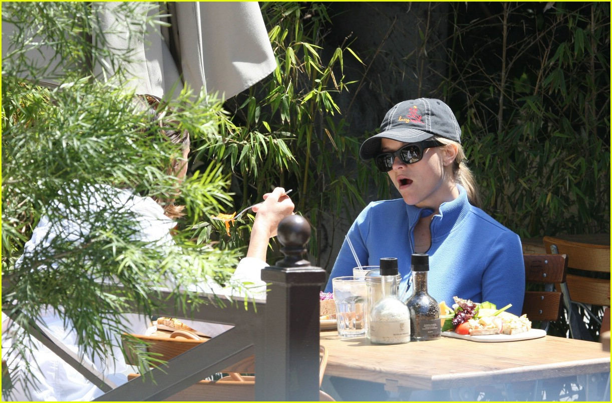 reese witherspoon lunch 05