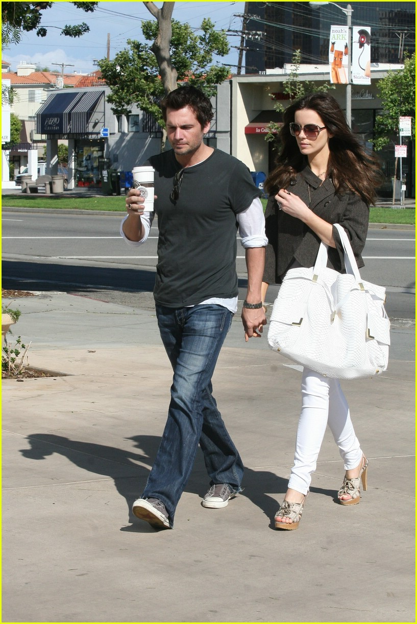 kate beckinsale starbucks star 03