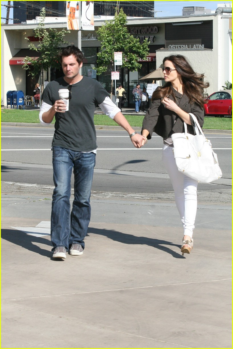 kate beckinsale starbucks star 04