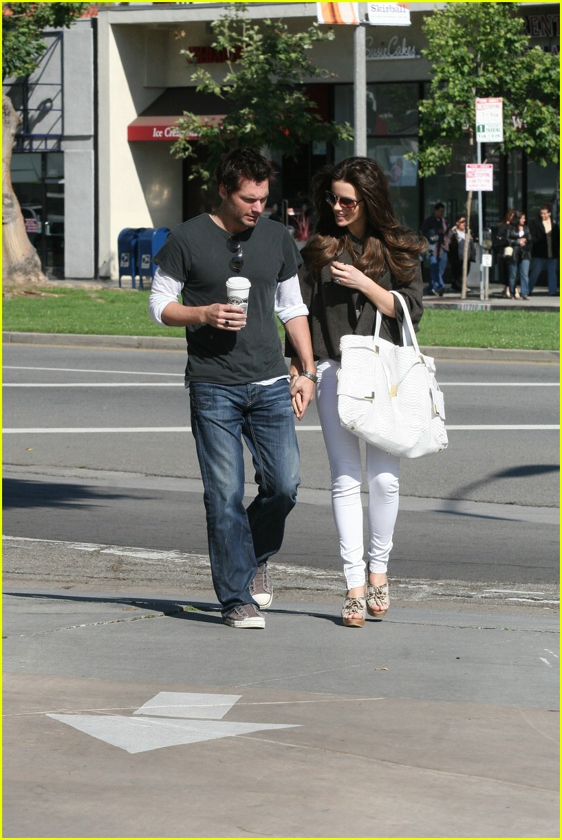 kate beckinsale starbucks star 05