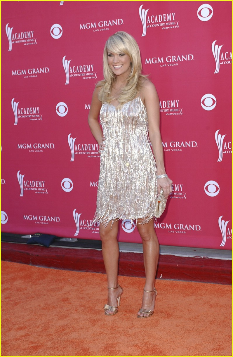 carrie underwood country music awards 01