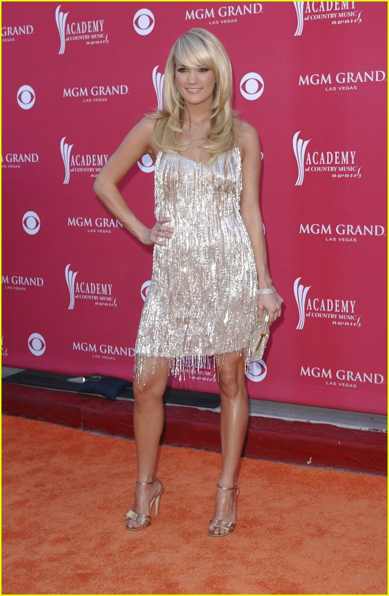 carrie underwood country music awards 05