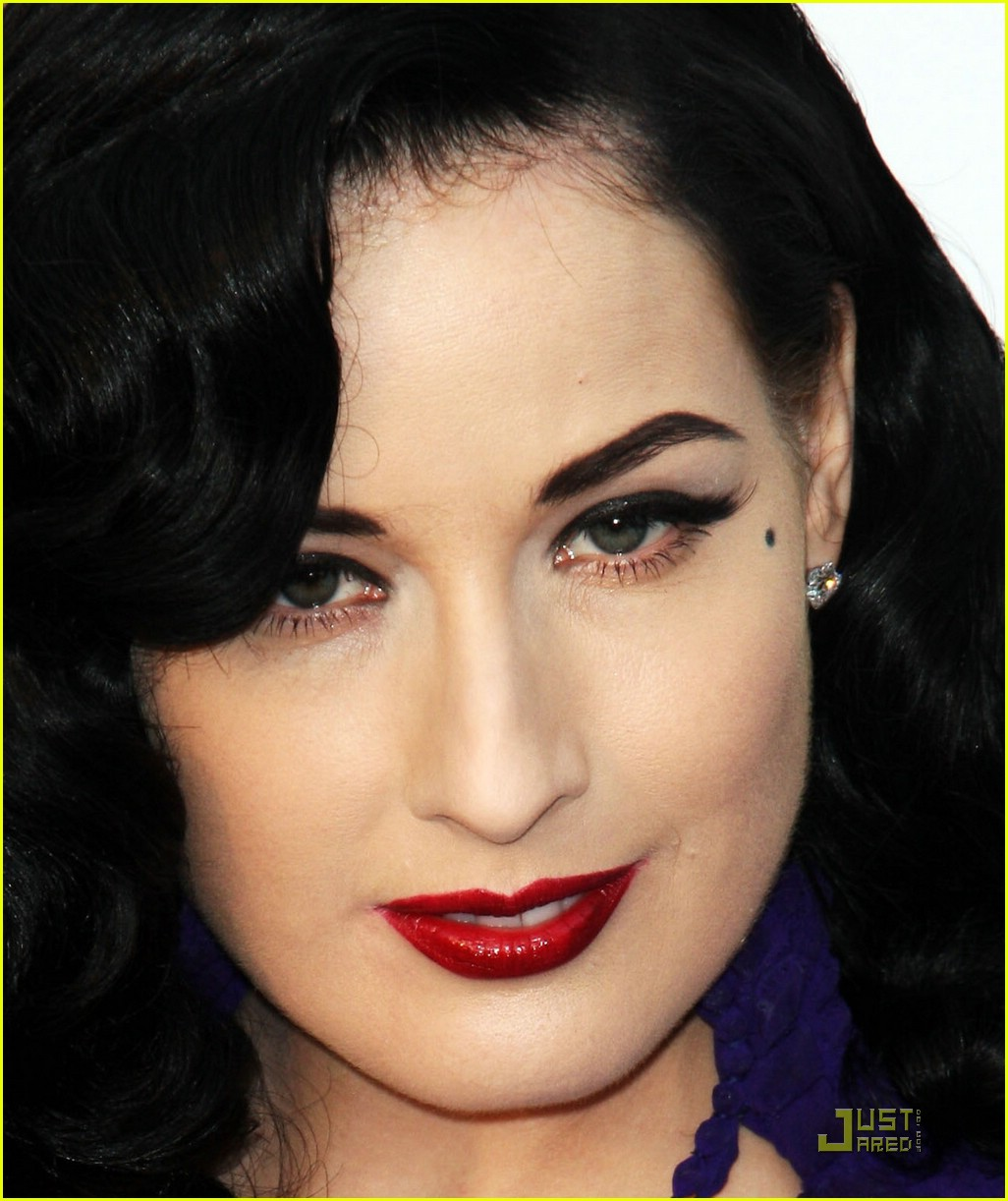 dita von teese amfar cinema against aids 03