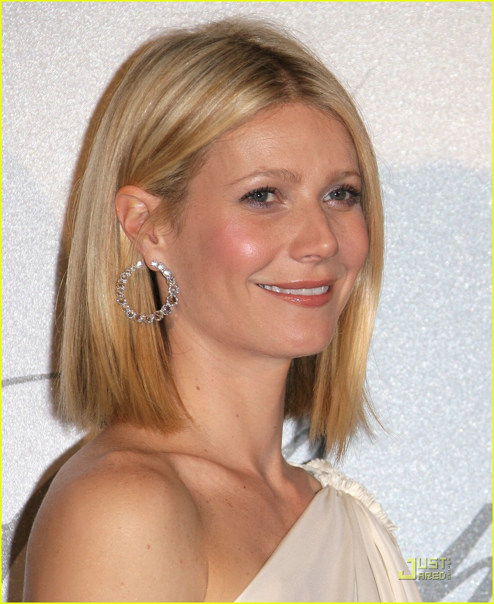 Full Sized Photo of gwyneth paltrow chopard 12 | Photo ... Gwyneth Paltrow