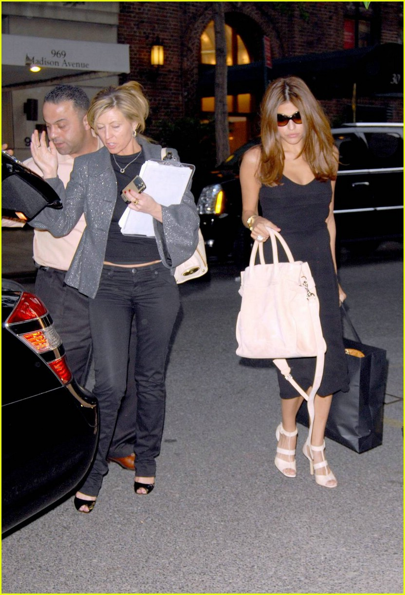 eva mendes nyc shopping 011115701