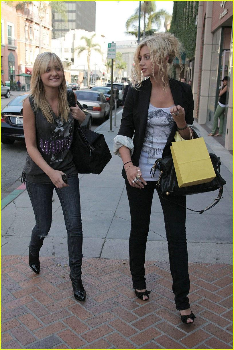 aly aj michalka shopping 25