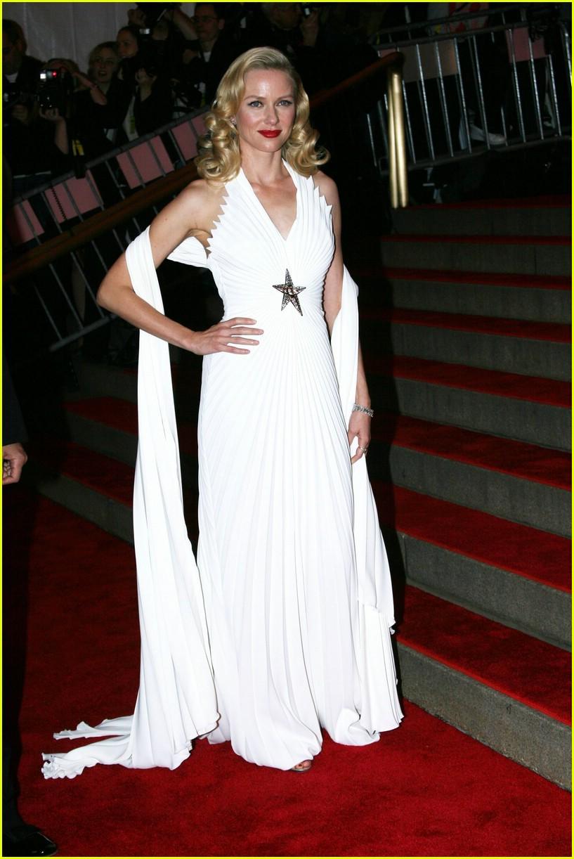 naomi watts 2008 met costume gala 03