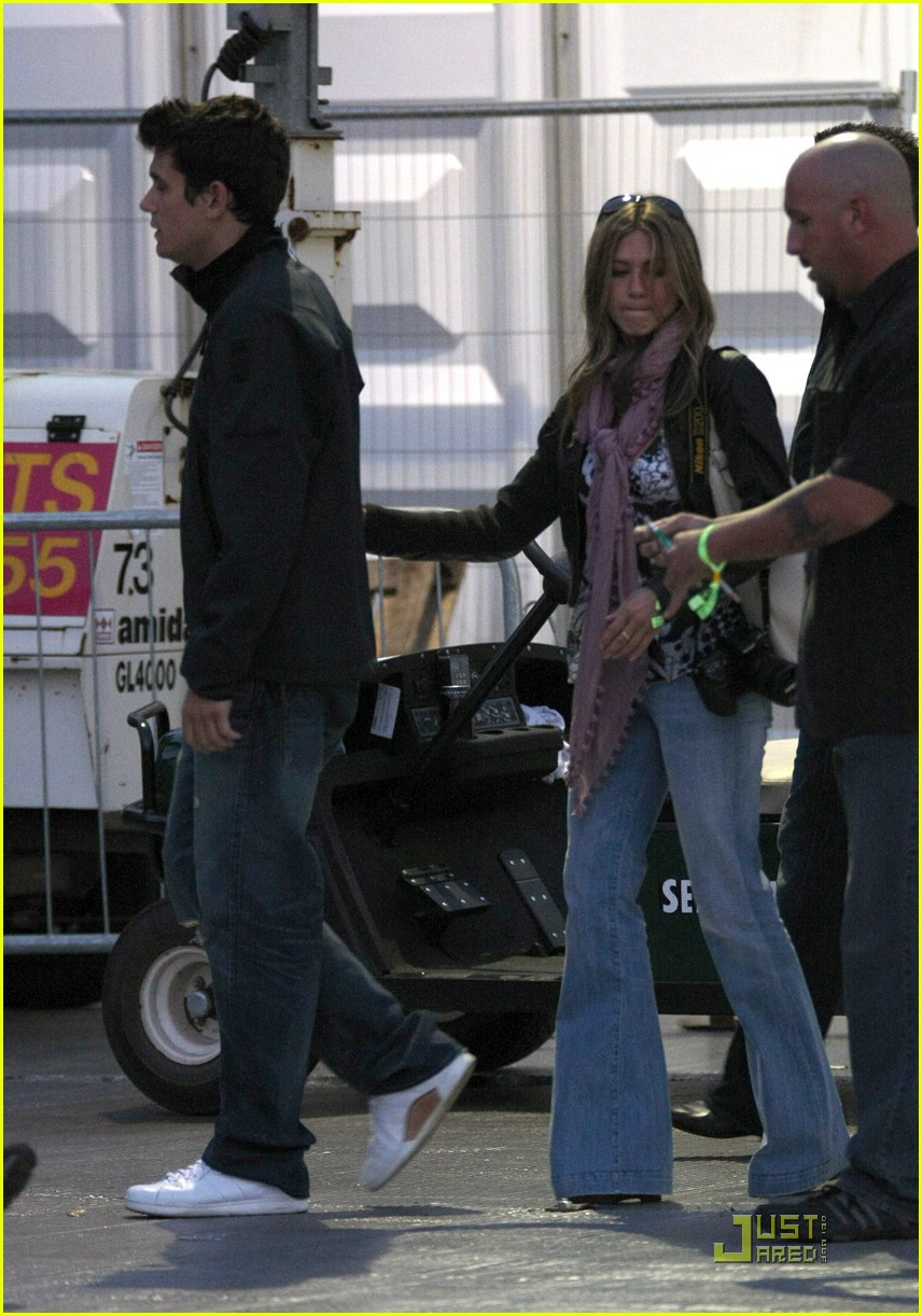 jennifer aniston john mayer concert 21