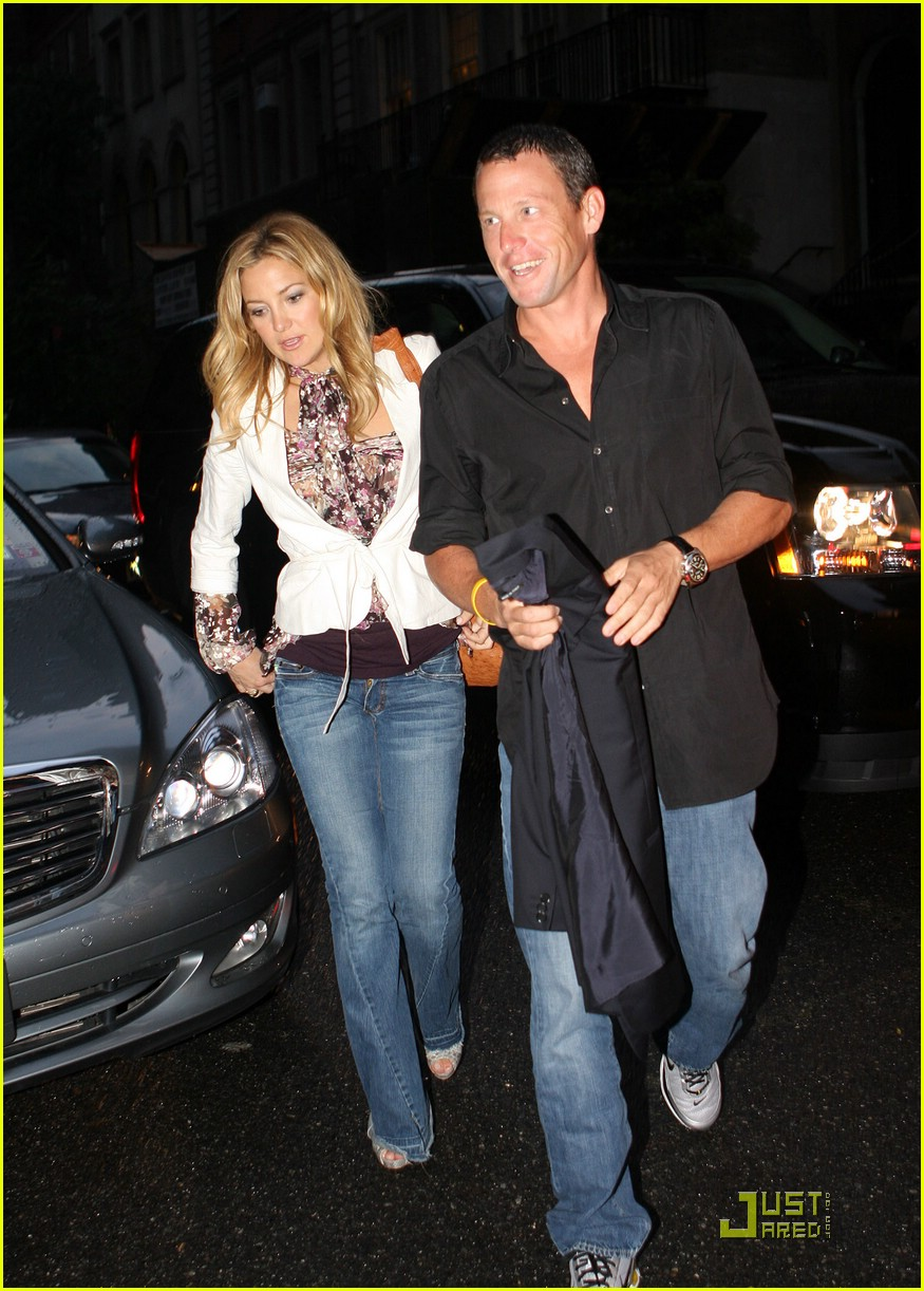 Image search  Kate Hudson   195     226        195      194   187  Celebrity Shoe SizeKate Hudson And Lance Armstrong