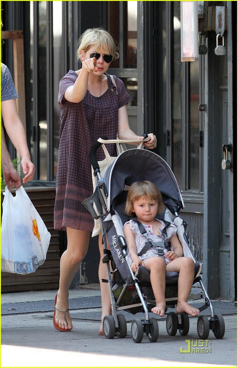 Matilda Ledger Rides The Stroller Coaster Photo 1192861