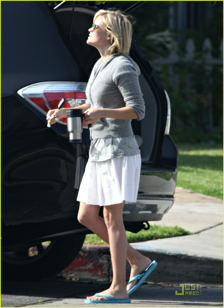reese witherspoon yoga years 061203551