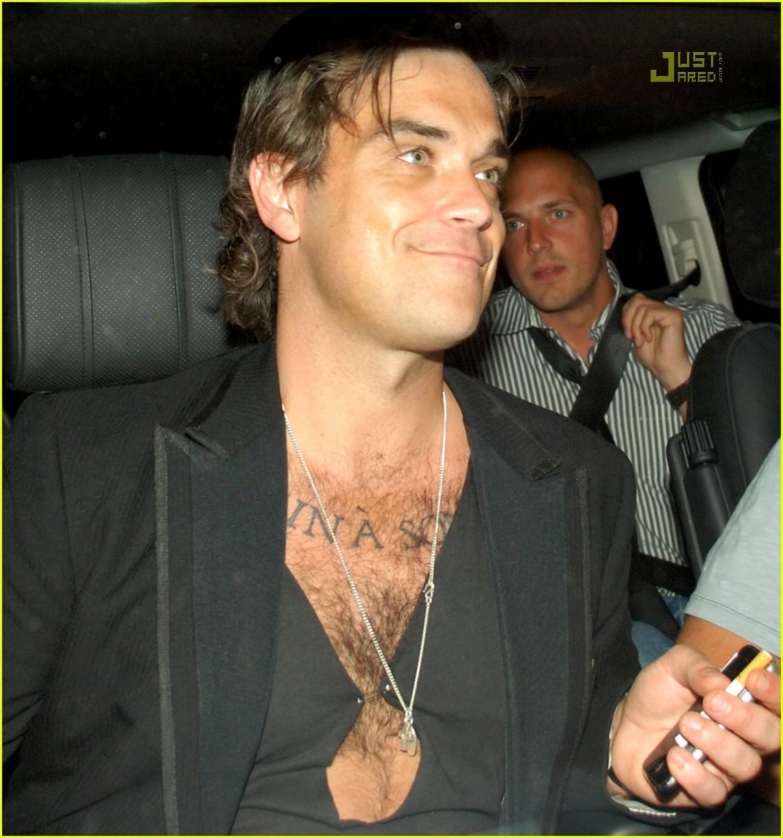 robbie williams chest hair 02
