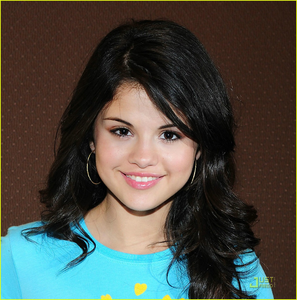 selena gomez goes green 081205741
