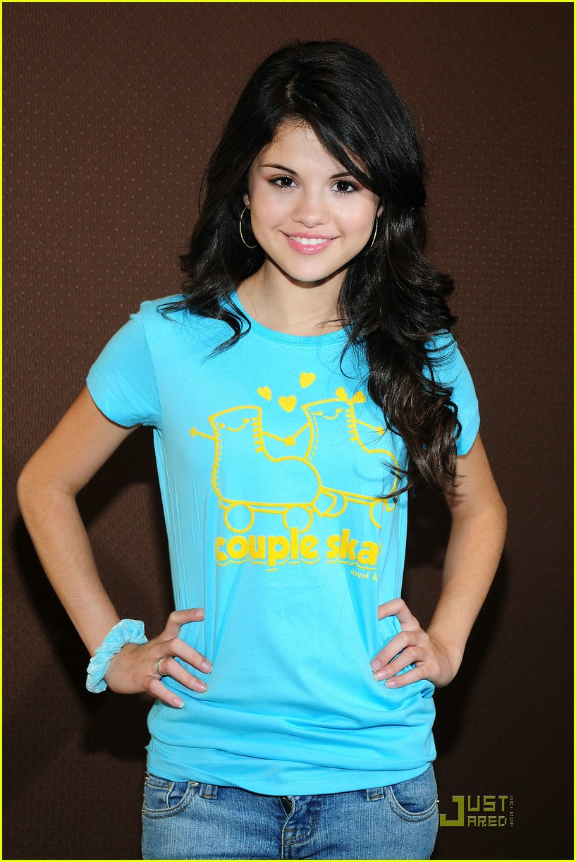 selena gomez goes green 111205771