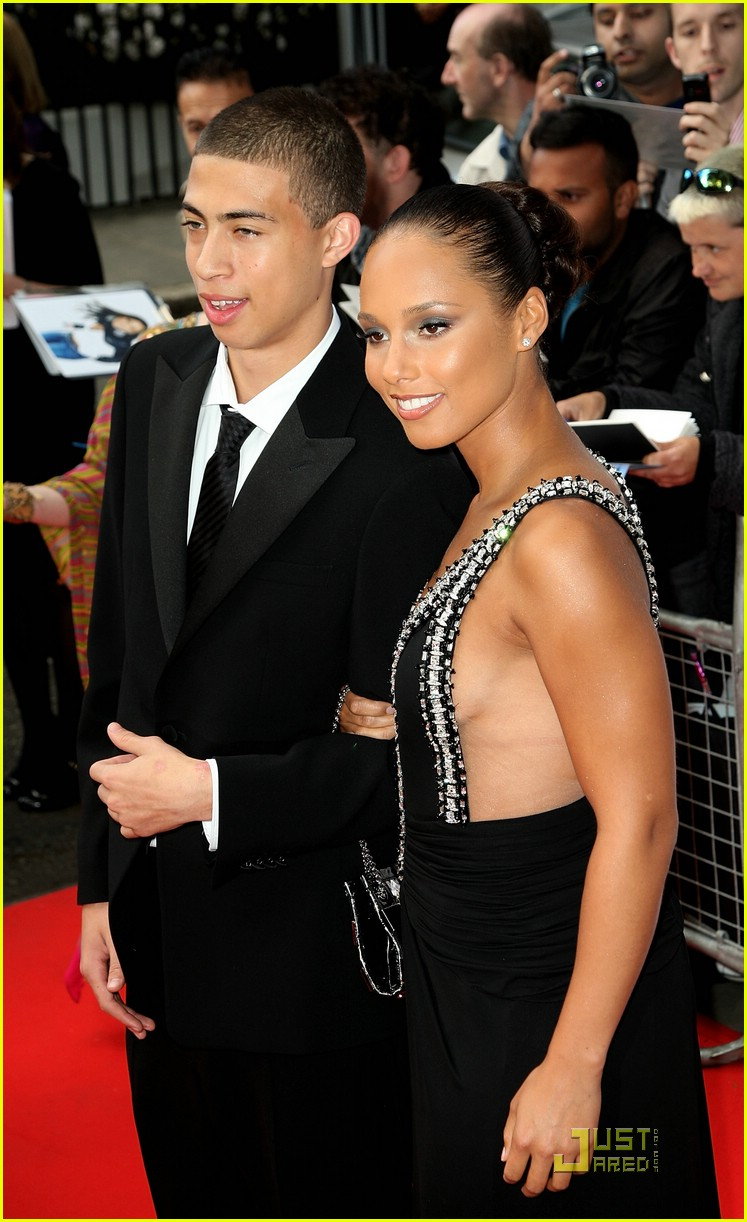 alicia keys half brother cole 301263641