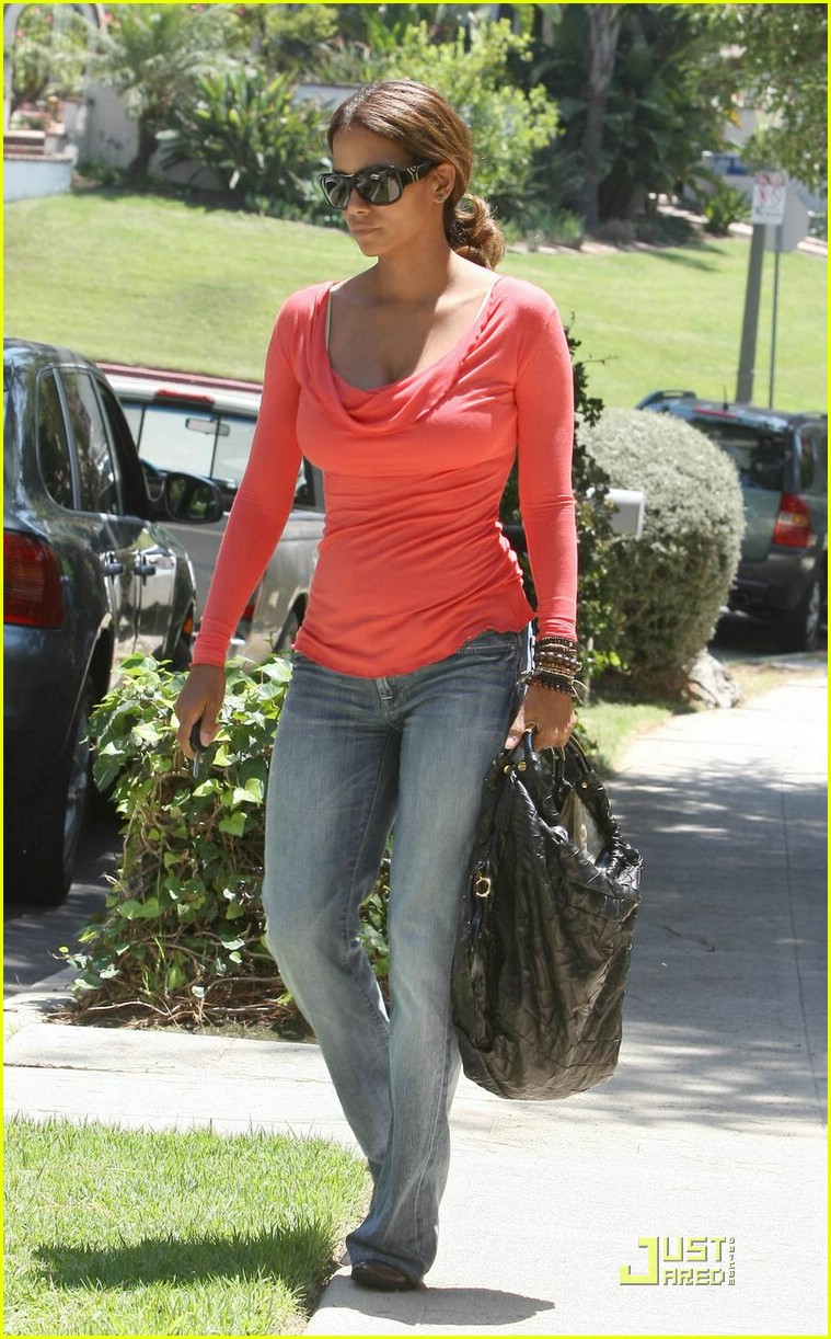 halle berry tickled pink 15