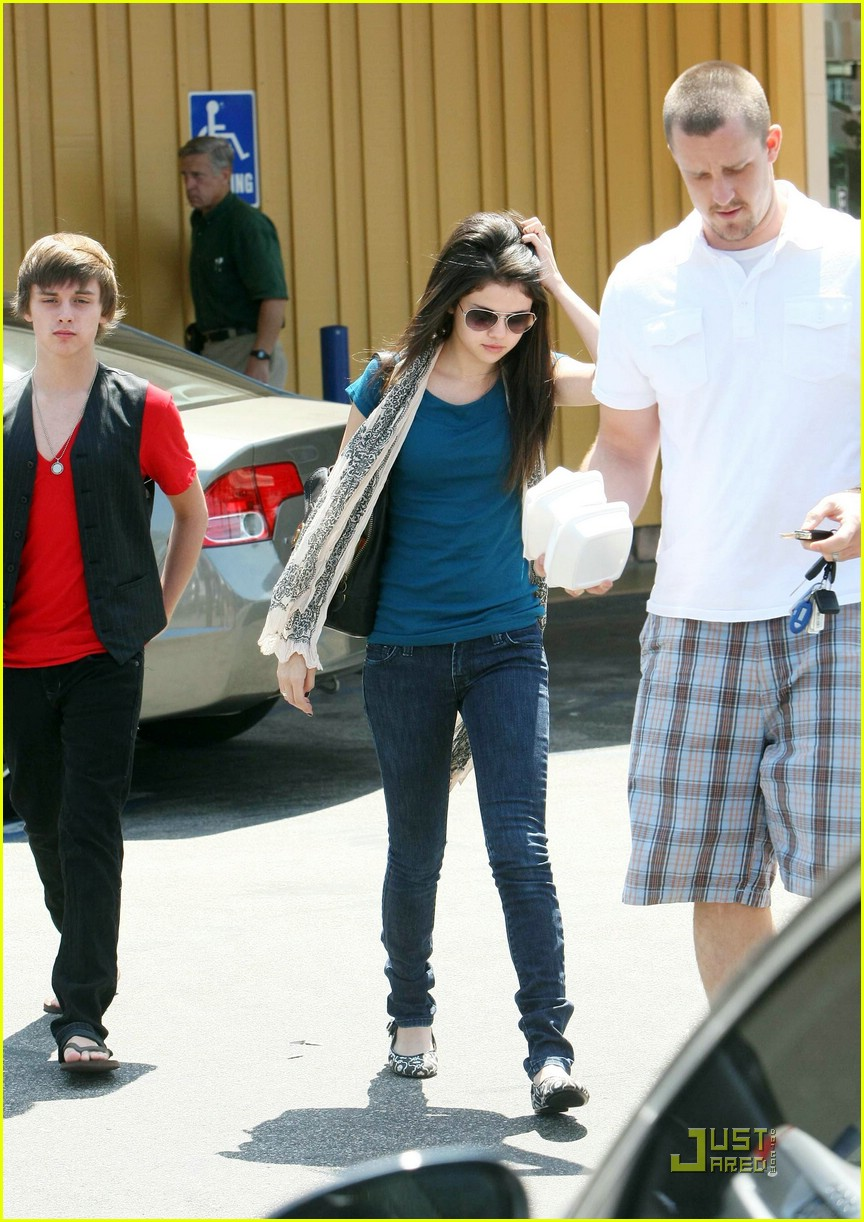 selena gomez goes big boy 08