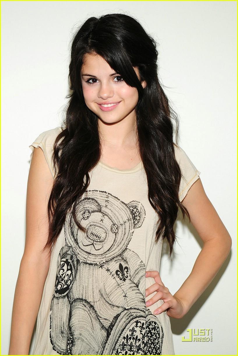 Gomez Yellow Selena Gomez Hello Yellow 03