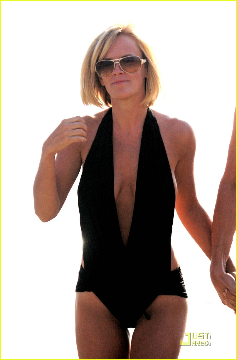 jim carrey jenny mccarthy same swimsuit 02