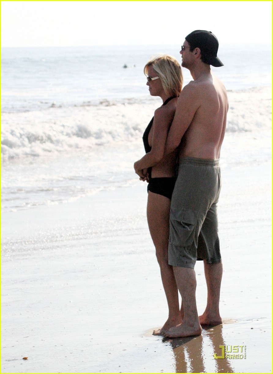 jim carrey jenny mccarthy same swimsuit 12